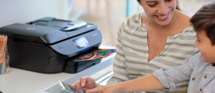 Abraza la impresión profesional con HP Instant Ink, y olvídate de la tinta