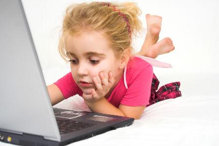 niña internet