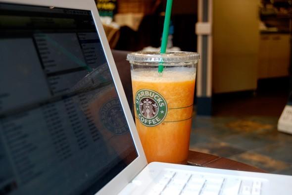 trabajar_cafe_starbuks