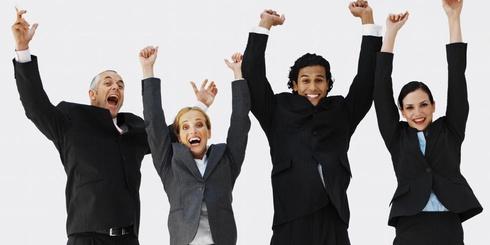 empleados felices productivos
