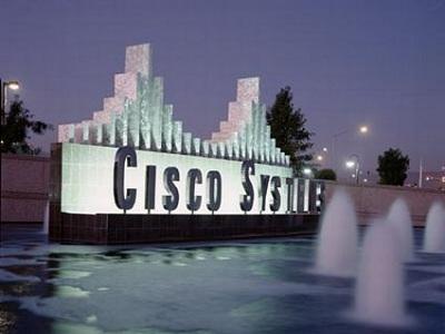 Cisco simplifica los sistemas de telefonía IP para las medianas empresas