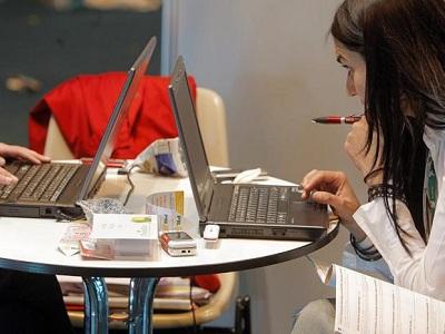 La exclusión digital de los desempleados cuesta a la economía española 1.300 millones de euros,