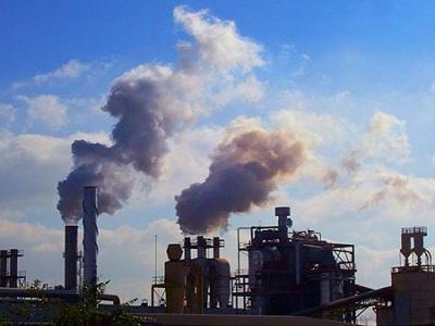 La producción industrial cae un 4,2%
