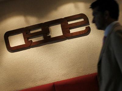 La CEOE no le cierra la puerta a un acuerdo salarial