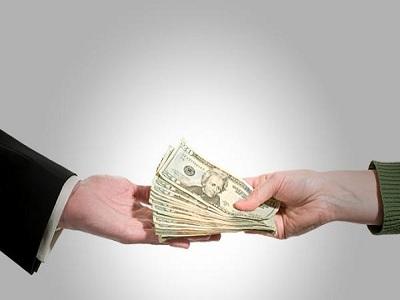 La economía sumergida supone 830 euros más en impuestos de lo que corresponde