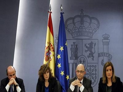 Báñez pide perdón a los pensionistas por la subida del IRPF