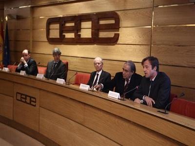 La CEOE defiende la rentabilidad de la implantación de horarios racionales