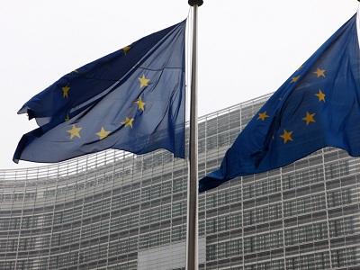 La Comisión Europea insiste en subir el IVA y reducir las cotizaciones empresariales