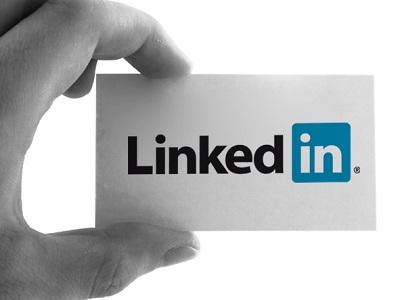 Facebook, más útil que LinkedIn para encontrar empleo