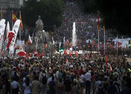 España se echa a la calle contra los nuevos recortes