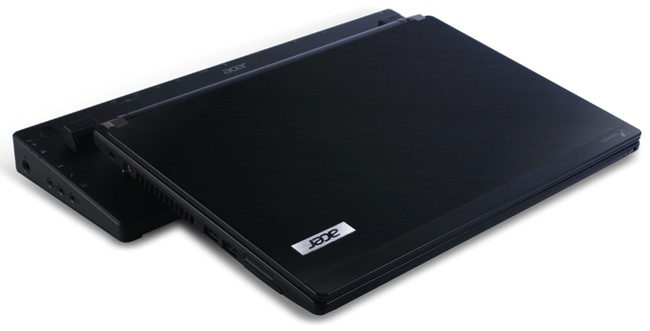 Acer-Travelmate-p6_dock
