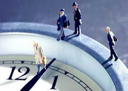 Los autónomos trabajan 7 horas semanales más