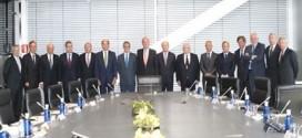 El Rey se reúne con grandes empresarios para hablar de la crisis