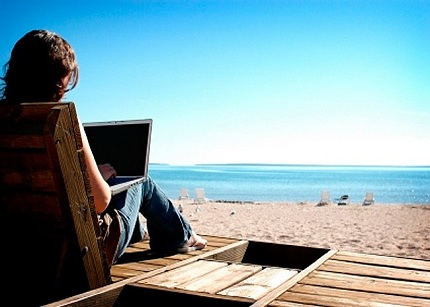 Sólo un 2% de los españoles reconoce que ha desconectado completamente en vacaciones.
