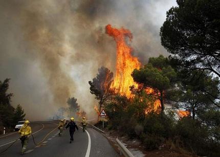 Multas para los parados que rechacen apagar incendios