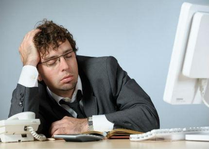 Consejos para que la rutina laboral no te acabe hundiendo