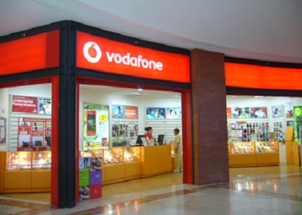 Vodafone se retracta y vuelve a regalar móviles
