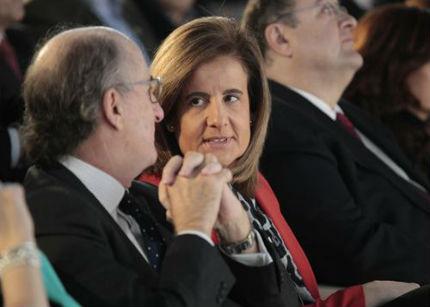 La ministra de Empleo defiende el teletrabajo como medio para mejorar la competitividad