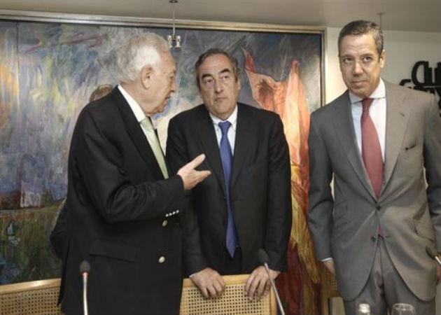 El Gobierno y la CEOE animan a las pymes a invertir en el exterior