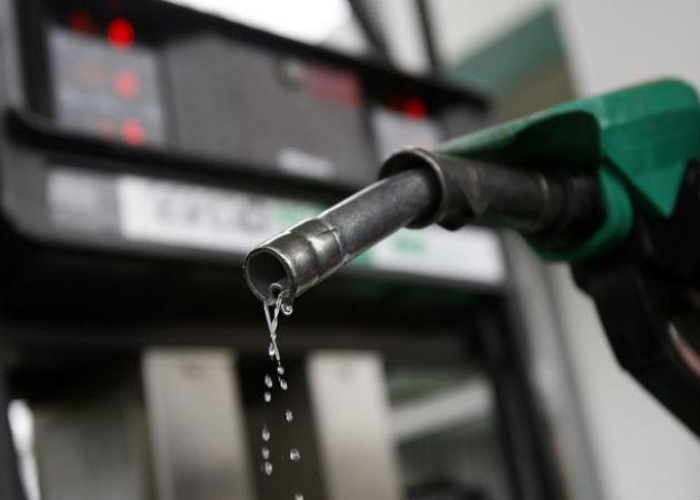 El jueves se convierte en el día más caro para echar gasolina