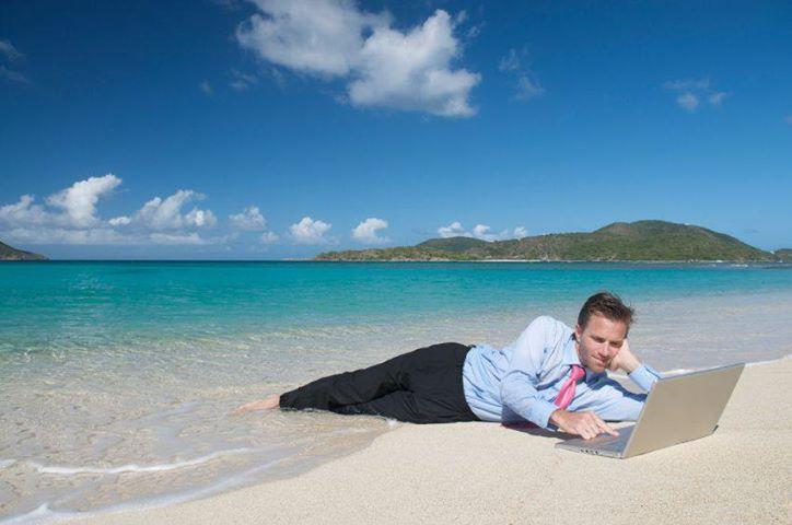 laptob_beach