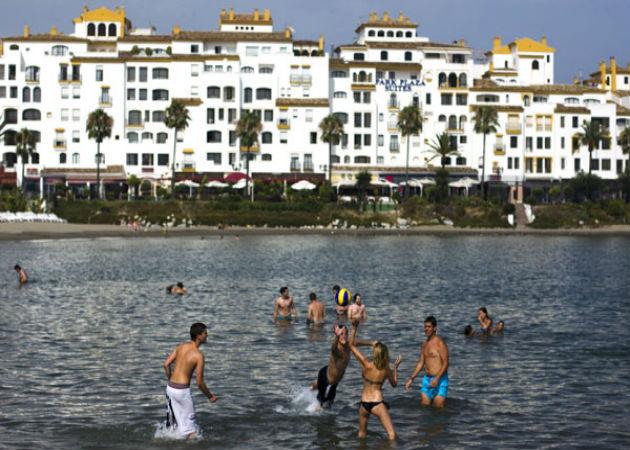 Los turistas gastan en España un 4,3% más que en 2012