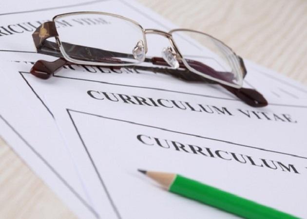 Un 60% de los españoles comete uno o varios errores al redactar su currículum