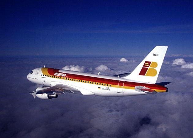 """Iberia lanza una nueva tarifa para competir con las """"low cost"""""""