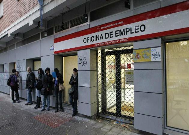 El paro baja en 72.800 personas en el tercer trimestre por el empleo de verano