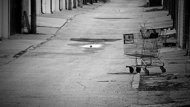 carro-compra-abandonado