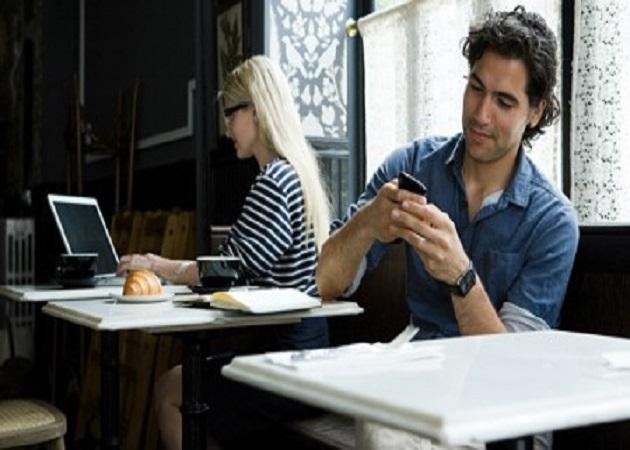 Trabajar en la cafetería en lugar de en la oficina
