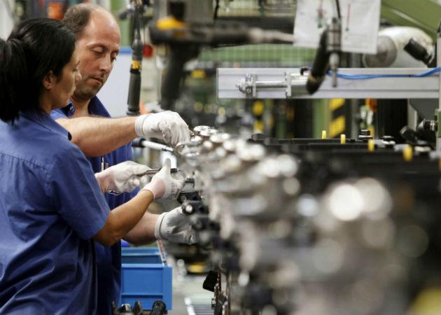 El coste por hora trabajada disminuyó un 1,6% en el primer trimestre del año