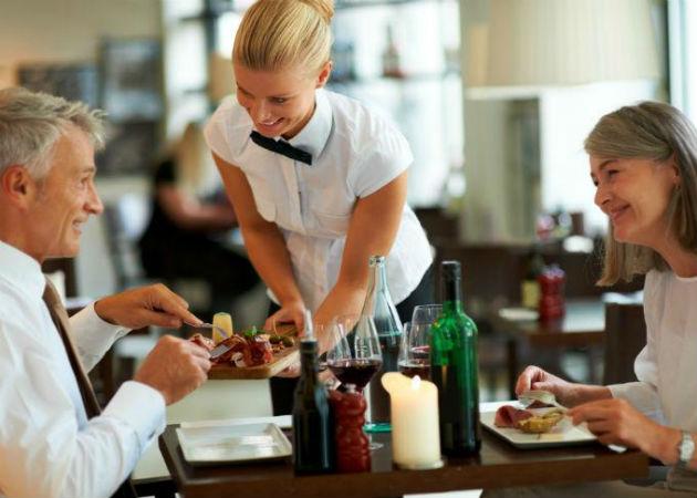 Tres de cada cuatro trabajadores españoles trabaja en el sector servicios