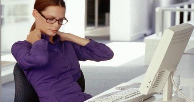 La-postura-correcta-en-el-trabajo-sentadas-II