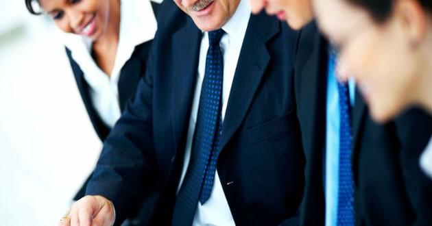 Casi un 30% de los directivos prefiere no hacer alusión a su negocio en sus perfiles en redes sociales