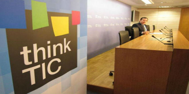 Arsys lanza las becas Think TIC