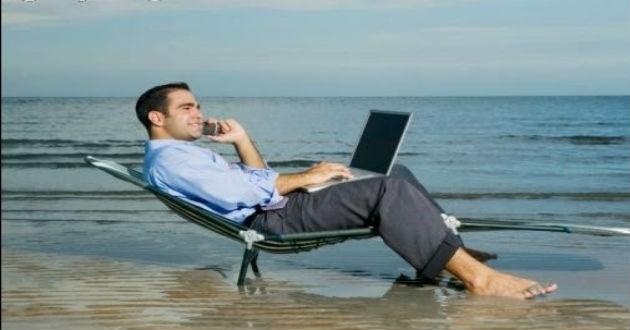 El 28% de los trabajadores españoles no desconecta durante sus vacaciones
