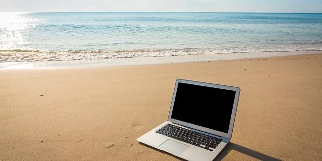 ¿Consultas el correo electrónico en vacaciones? Siete claves para hacerlo de forma segura