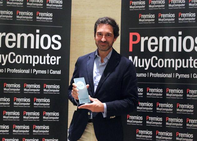 Recoge el premio Ignacio Fernández-Vega, Director de Movistar+