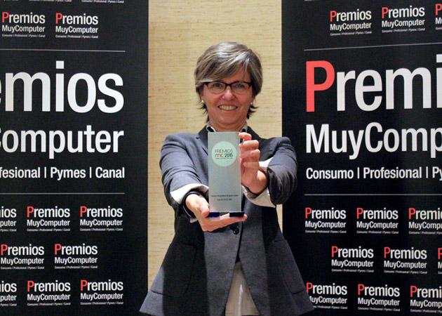 Recoge el premio Elena Martell, Corporate Manager Canon España