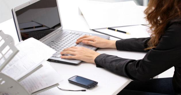 Sólo el 33% de los becarios logra continuar como empleado tras finalizar las prácticas