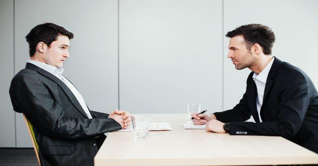 Cómo reaccionar ante situaciones incómodas en una entrevista de trabajo