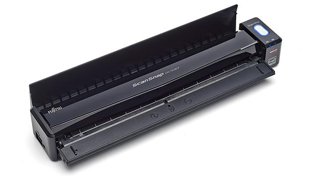 369270-fujitsu-scansnap-ix100-scanning