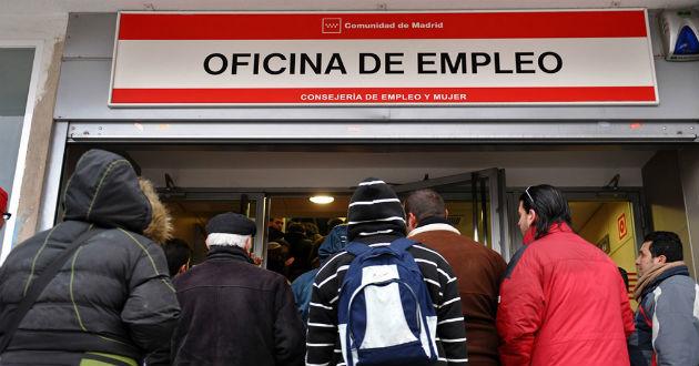 El Gobierno bonificará a las empresas que contraten a parados de larga duración