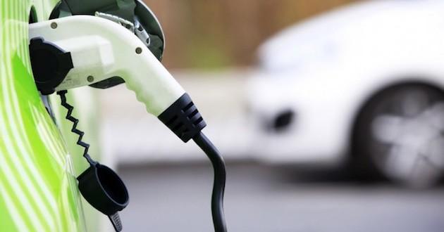 España se conecta (a medias) al coche eléctrico
