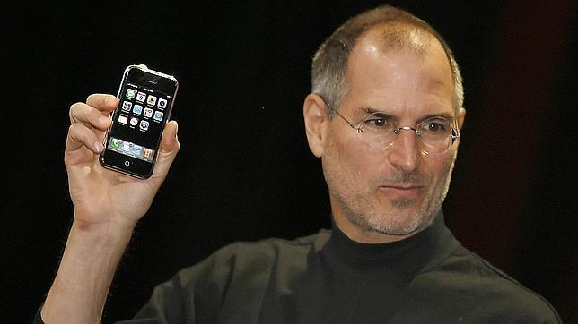 Steve Jobs presenta el iPhone en 2007