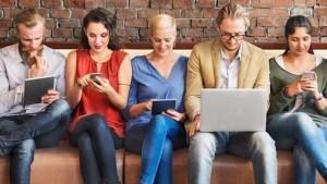 redes sociales en la oficina