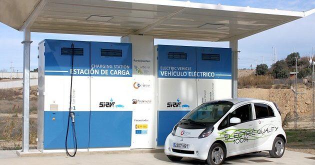 Las gasolineras se rebelan contra la obligación de instalar puntos de recarga para vehículos eléctricos
