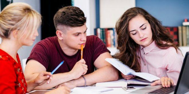 Consejos para que los jóvenes profesionales consigan una óptima iniciación en la vida profesional