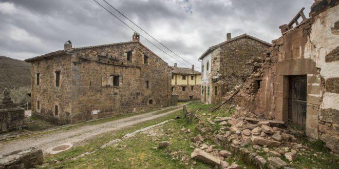 La despoblación ha acelerado el descenso del número de autónomos que se dedican al comercio en España